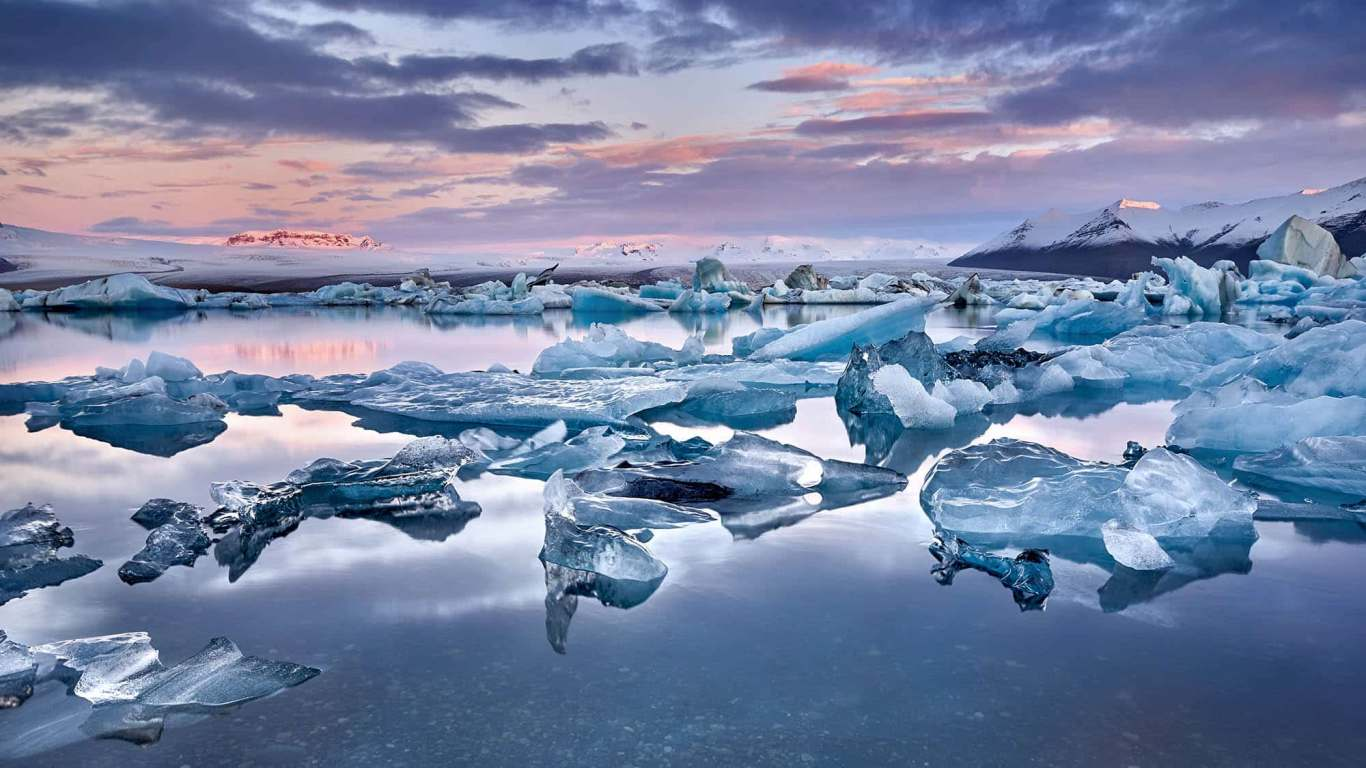 Many ice pieces floating in glacier lagoon